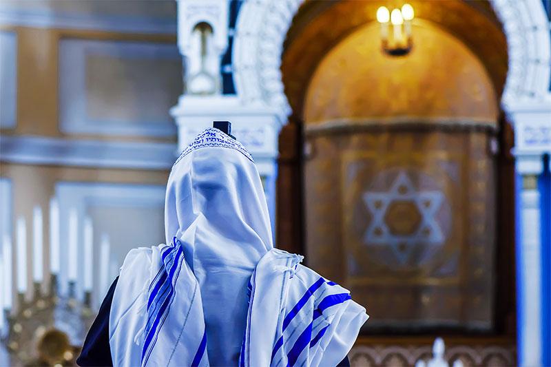 A Synagogue's Custom